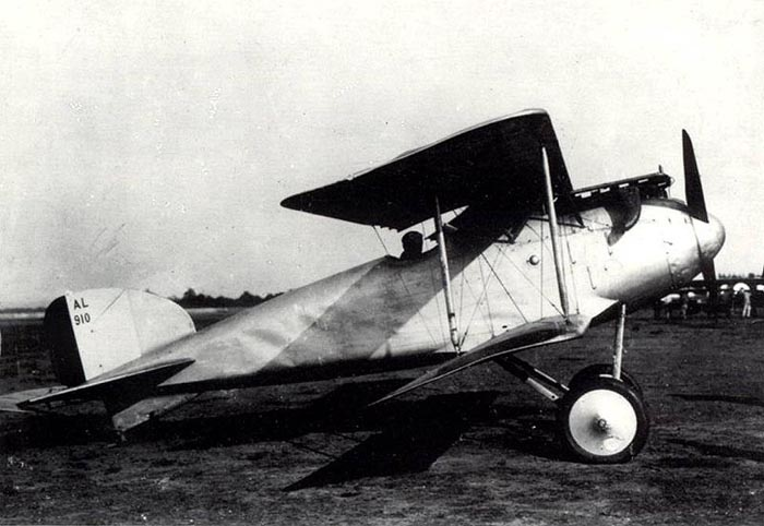 An Albatros D.II on a flying field.