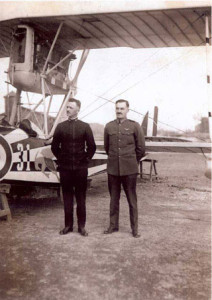 Willis B. Haviland (right) and the Executive Officer George W. Almour with the Macchi M.5.