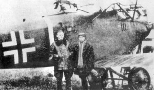 Johan Baur and Georg von Hengel in front of their Hannover CL.IIIa.