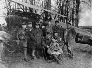 Manfred von Richthofen in his red Albatros D.III with other pilots of the famous Jagdstaffel 11.
